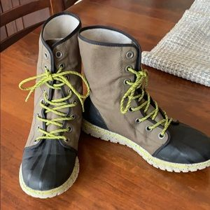 Sorel woman's waterproof boots
